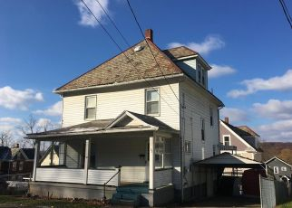 Pre Foreclosure in Oil City 16301 CEDAR AVE - Property ID: 1708038752