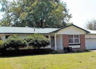 Pre Foreclosure in Pryor 74361 SE 13TH ST - Property ID: 1708132474