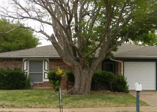 Pre Foreclosure in Arlington 76014 SALEM DR - Property ID: 1709222143
