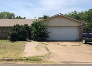 Pre Foreclosure in Fort Worth 76133 S MEADOW DR - Property ID: 1709231342