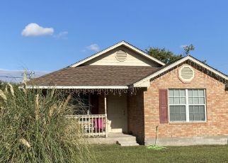 Pre Foreclosure in Ennis 75119 S SMITH ST - Property ID: 1709256759