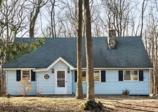 Pre Foreclosure in Highland Lakes 07422 MONDAMIN RD - Property ID: 1709683787