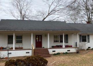 Pre Foreclosure in Roxboro 27573 OXFORD RD - Property ID: 1709904521
