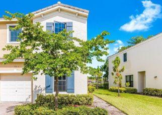 Pre Foreclosure in Miami 33179 NE 194TH LN - Property ID: 1710063953