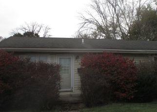 Pre Foreclosure in Villa Grove 61956 S SYCAMORE ST - Property ID: 1710397233