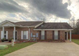 Pre Foreclosure in Millbrook 36054 JAMESTOWN LOOP - Property ID: 1710833461