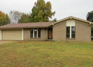 Pre Foreclosure in Memphis 38109 NANTUCKET DR - Property ID: 1711343704