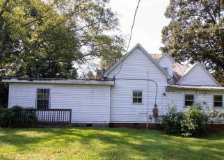 Pre Foreclosure in Statesville 28625 RIVER HILL RD - Property ID: 1711441363