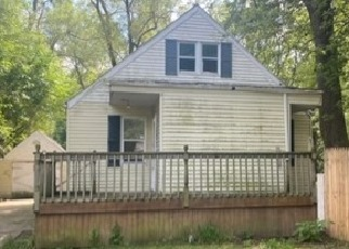 Pre Foreclosure in Elkhart 46514 GROVER ST - Property ID: 1711478147