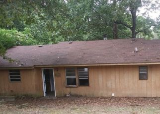 Pre Foreclosure in Cohutta 30710 W PARLIAMENT DR - Property ID: 1711536853