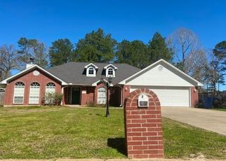 Pre Foreclosure in Lufkin 75904 HUNTERS GLEN DR - Property ID: 1711609546