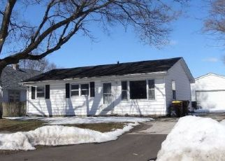 Pre Foreclosure in Machesney Park 61115 PINE AL DR - Property ID: 1711952480