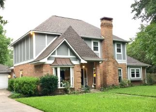 Pre Foreclosure in Lake Jackson 77566 HUCKLEBERRY DR - Property ID: 1712115857