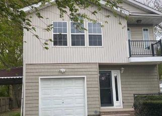 Pre Foreclosure in Huntington Station 11746 NEW YORK AVE - Property ID: 1712490763
