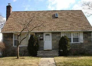 Pre Foreclosure in Elmont 11003 FROEHLICH PL - Property ID: 1712652357