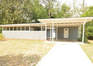 Pre Foreclosure in Jacksonville 32221 LOUVRE DR - Property ID: 1713308896