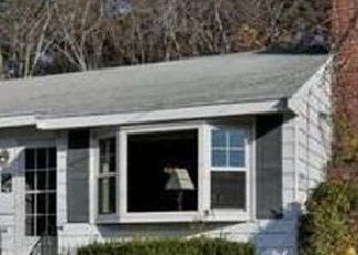 Pre Foreclosure in Wilmington 01887 CARTER RD - Property ID: 1713785403