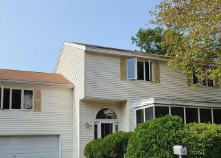 Pre Foreclosure in Dracut 01826 SAVOY AVE - Property ID: 1713795475