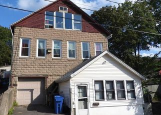 Pre Foreclosure in Meriden 06451 MAPLE ST - Property ID: 1714276371