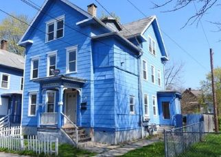 Pre Foreclosure in Meriden 06451 PINE ST - Property ID: 1714280759