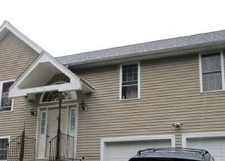 Pre Foreclosure in Worcester 01602 2ND ST - Property ID: 1714306596