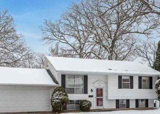 Pre Foreclosure in Cedar Rapids 52405 PAWNEE DR NW - Property ID: 1714575508