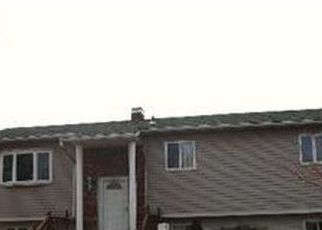 Pre Foreclosure in Medford 11763 WATCH HILL AVE - Property ID: 1715024432
