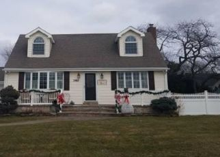 Pre Foreclosure in Lindenhurst 11757 LIDO PKWY - Property ID: 1715064728