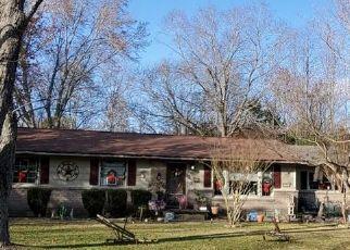 Pre Foreclosure in Winchester 37398 COOPER LN - Property ID: 1715685326