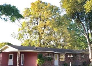 Pre Foreclosure in Lakeland 33803 STAUNTON AVE - Property ID: 1715973522
