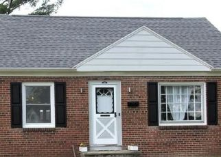 Pre Foreclosure in Liverpool 13088 RUSSELL AVE - Property ID: 1716379525