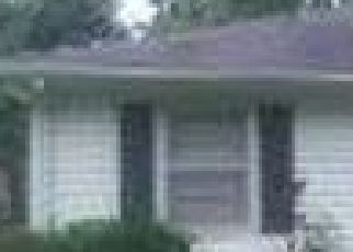 Pre Foreclosure in Clinton 64735 W BENTON ST - Property ID: 1716467108