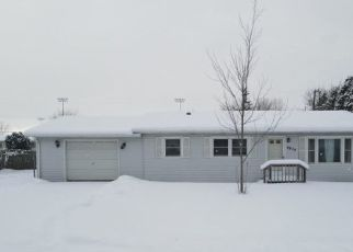 Pre Foreclosure in Michigan City 46360 N MEADOW BLVD - Property ID: 1716837651