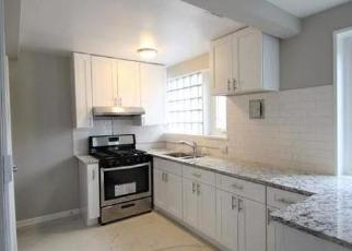Pre Foreclosure in River Forest 60305 OAK AVE - Property ID: 1717370661