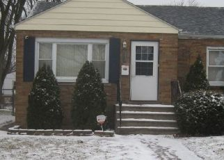 Pre Foreclosure in Calumet City 60409 PAXTON AVE - Property ID: 1717449496