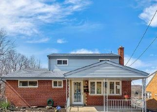 Pre Foreclosure in Pittsburgh 15235 KEEFER DR - Property ID: 1717662794