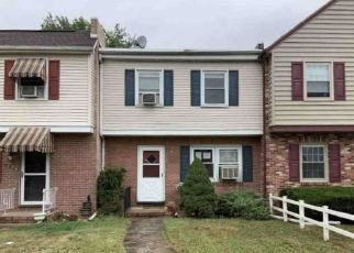 Pre Foreclosure in Chambersburg 17201 CUMBERLAND AVE - Property ID: 1717915951