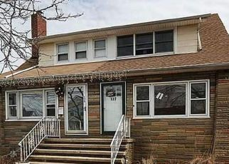 Pre Foreclosure in Freeport 11520 WESTSIDE AVE - Property ID: 1718165132