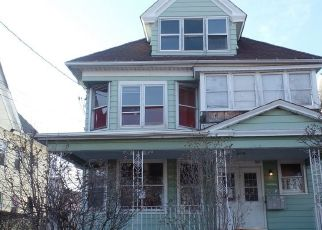 Pre Foreclosure in Bridgeport 06608 NOBLE AVE - Property ID: 1718798900