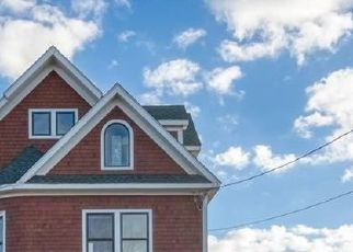 Pre Foreclosure in Clinton 06413 HAMMOCK PKWY - Property ID: 1718821222