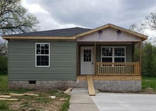 Pre Foreclosure in Chattanooga 37406 WILSON ST - Property ID: 1718983723