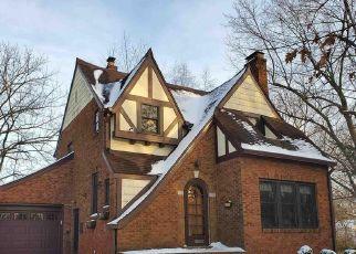 Pre Foreclosure in Riverton 62561 S 8TH ST - Property ID: 1719588110