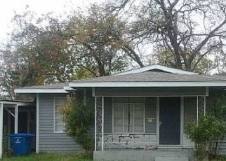Pre Foreclosure in San Antonio 78220 HUB AVE - Property ID: 1719995886