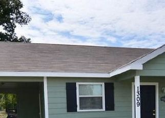 Pre Foreclosure in Goldthwaite 76844 5TH ST - Property ID: 1720055887
