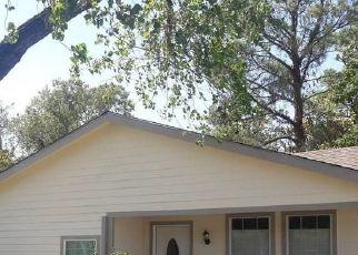Pre Foreclosure in Dallas 75217 SEAFORD DR - Property ID: 1720077335