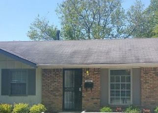 Pre Foreclosure in Indianapolis 46235 BAKER DR - Property ID: 1721056650