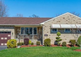 Pre Foreclosure in Clifton 07013 VAN HOUTEN AVE - Property ID: 1721392125