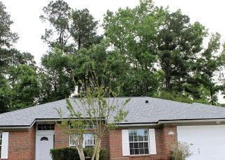 Pre Foreclosure in Middleburg 32068 REDWOOD LN - Property ID: 1721603233