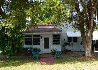 Pre Foreclosure in Miami 33161 NE 114TH ST - Property ID: 1721743838