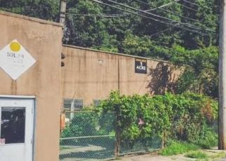 Pre Foreclosure in Edgewater 07020 OLD RIVER RD - Property ID: 1721899301